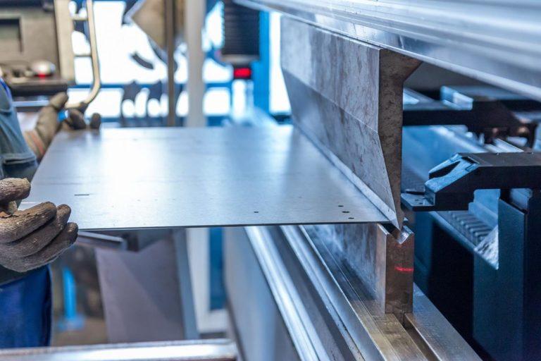 Gięcie rur CNC na profesjonalnym sprzęcie